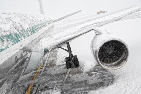 plane snow traveller safety